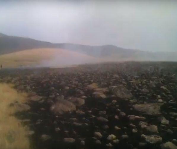 ՏԵՍԱՆՅՈՒԹ. Արայի լեռան ստորոտում խոշոր հրդեհը մեկուսացվել է, բայց դեռ չի մարվել. այրվում է մոտ 1800 հա խոտածածկույթ