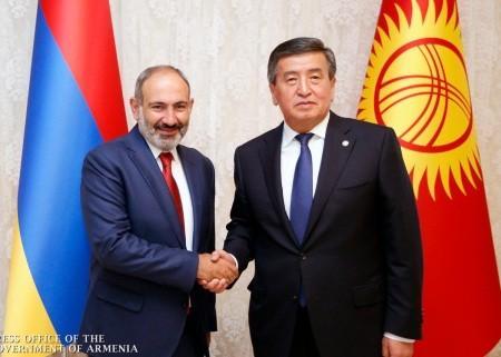 Նիկոլ Փաշինյանը հանդիպել է Ղրղզստանի նախագահի հետ