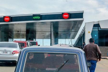 Գոգավան-Գուգութի ավտոճանապարհին բեռնատար է շրջվել․ անցակետ տանող ավտոճանապարհը փակ է