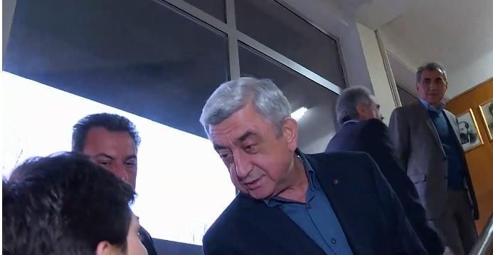 Ինչո՞ւ ճաղերի հետևում չէ Սերժ Սարգսյանը