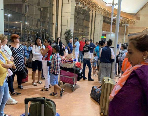 ՖՈՏՈ. 50-55 հայ ուղեւորներ արդեն 10 ժամից ավելի է մնացել են Շարմ էլ շեյխի օդանավակայանում