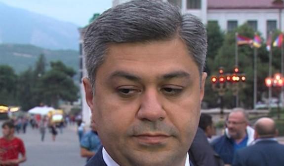Վանեցյանը վարչապետի պաշտոնում.ոմանք ներիշխանական հեղաշրջման հույս ունեին