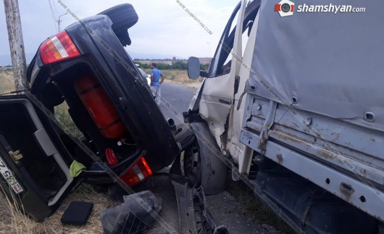 ՖՈՏՈ. Արմավիրի մարզում բախվել են ГАЗель-ն ու Opel-ը. վերջինը կողաշրջվել է. կան վիրավորներ
