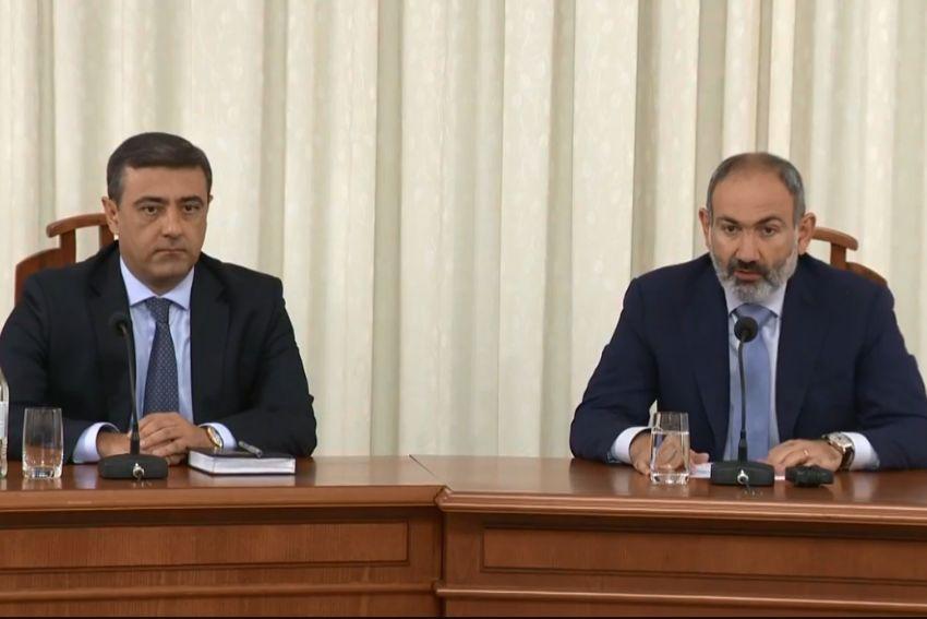 ՏԵՍԱՆՅՈՒԹ. ՀՀ վարչապետը ԱԱԾ ղեկավար կազմին է ներկայացրել ԱԱԾ տնօրենի ժամանակավոր պաշտոնակատար Էդուարդ Մարտիրոսյանին