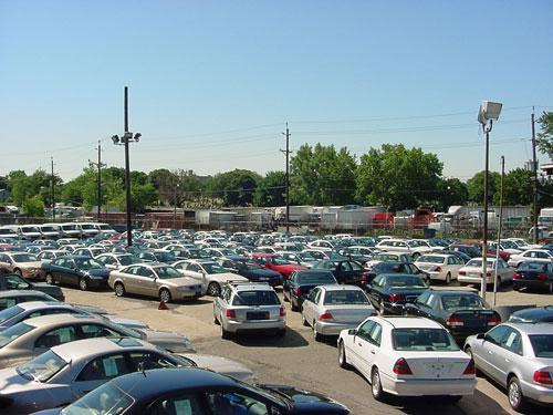 Ավտոներկրողները կկարողանան հին կարգով վաճառել իրենց մեքենաները. սկանդալային որոշումը հետաձգվել է