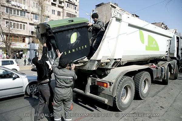 «Զաստավիտ» են անում, որ 8 ժամ տանջվես. ինչ են պատմում Երևանը մաքրող աշխատակիցները
