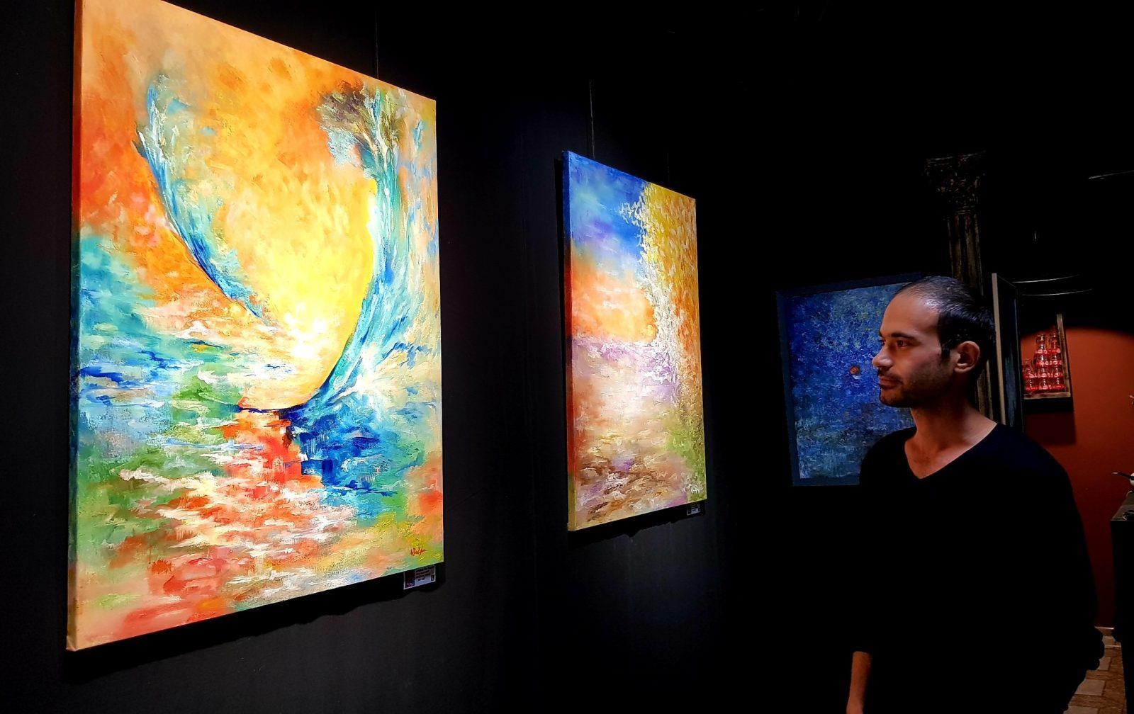 Նկարելով եմ խոսում մարդկանց հետ. Անանիա Քոչարյանի ցուցահանդեսը