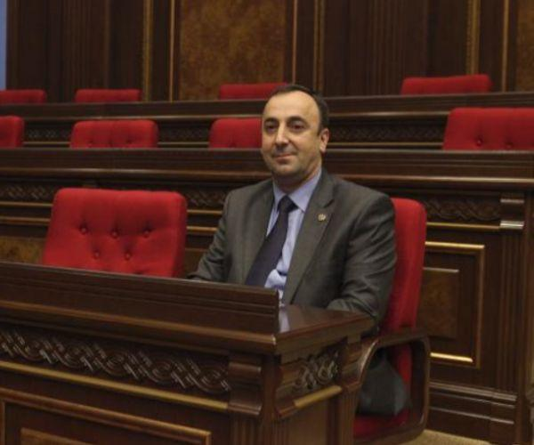 Հրայր Թովմասյանն այսօր արձակուրդ է գնացել