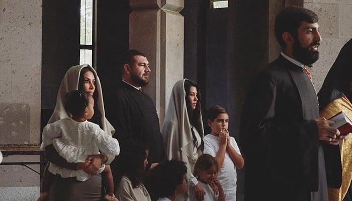 ՖՈՏՈ. Քիմ Քարդաշյանը նոր լուսանկարներ է հրապարակել` Էջմիածնում իր երեխաների մկրտությունից