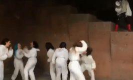 Նոր տեսանյութ՝ Հանրապետության հրապարակի մետրոյին հարակից տարածքում, «ՀուԶանք ուԶանգ» ներկայացումից