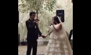 Նոր տեսանյութ. Ինչպես են Միհրան Ծառուկյանն ու Արփի Գաբրելյանը դուետ երգում իրենց հարսանիքին