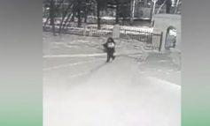 ՏԵՍԱՆՅՈՒԹ. Ինչպես է անհայտ տղամարդը նորածին երեխային ձմռանը թողնում հիվանդանոցի մուտքի մոտ
