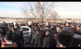 ՏԵՍԱՆՅՈՒԹ. Բախումներ մահացած զինծառայողի հարազատների և ոստիկանների միջև