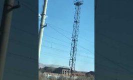ՏԵՍԱՆՅՈՒԹ. Արտաշատում 27-ամյա քաղաքացին բարձրացել է աշտարակի վրա եւ սպառնում է ինքնասպան լինել
