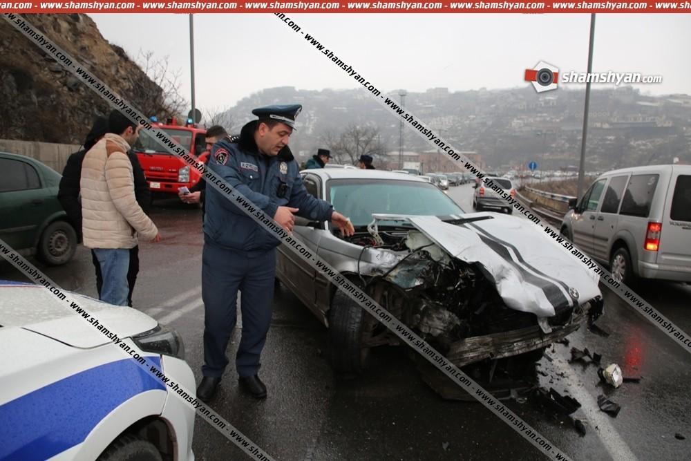 ԲԱՑԱՌԻԿ ՏԵՍԱՆՅՈՒԹ. Ինչպես են Երևանում բախվել Porsche Cayenne-ը, Lexus-ը, և BMW-ն