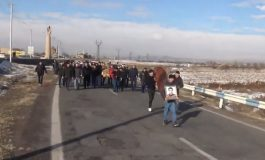 Ուղիղ միացում. Մահացած զինծառայողի հարազատները չեն հավատում, որ իրենց որդին ինքնասպան է եղել և նրա դին բերում են Երևան