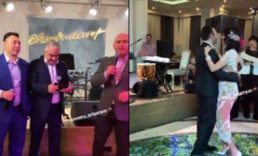 ՏԵՍԱՆՅՈՒԹ. Արմեն Աշոտյանը, Էդուրարդ Շարմազանովը և Արման Սահակյանը երգում են Արփինե Հովհաննիսյանի հարսանիքին