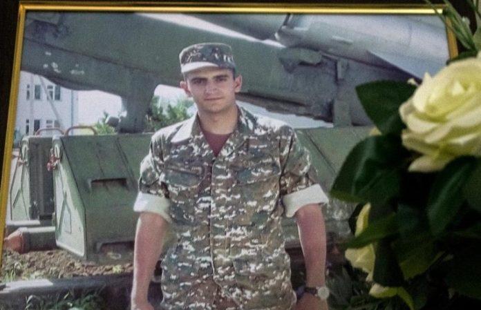 Սպանված զինվորի մորը տղայի նկարով նամակ են գրել. «Մամ ջան, ոնց ես», տակն էլ՝ «պաչիկ»