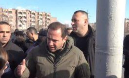 Նախարարը Դավիթ Տնոյանը լրատվամիջոցին հորդորում է դադարեցնել հեռարձակումը մահացած զինծառայողի հարազատների բողոքի ցույցից