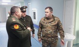 ՀՀ ԶՈւ գլխավոր շտաբի պետն այցելել է կենտոնական զինվորական հոսպիտալ